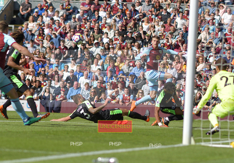 13/05/2018 Premier League Burnley v AFC Bournemouth<br /> <br /> Johann Berg Gudmundsson cross