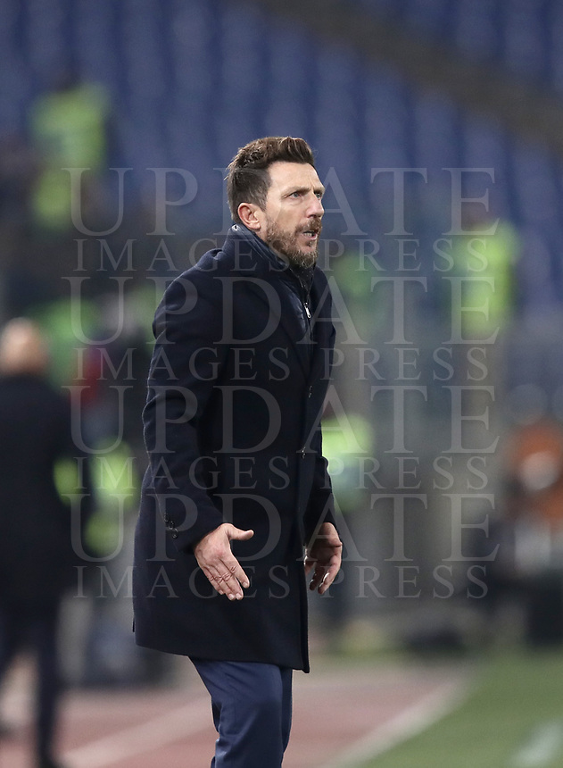 Football, Serie A: AS Roma - InterMilan, Olympic stadium, Rome, December 02, 2018. <br /> Roma's coach Eusebio Di Francesco speaks to his players  during the Italian Serie A football match between Roma and Inter at Rome's Olympic stadium, on December 02, 2018.<br /> UPDATE IMAGES PRESS/Isabella Bonotto