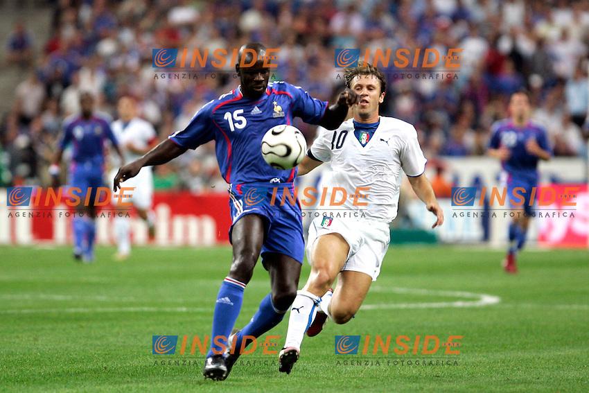 Paris/Parigi 6/9/2006 Stade de France Eliminatorie Euro 2008. France Italy 3-1 Francia Italia 3-1. Photo Andrea Staccioli INSIDE<br /> <br /> Liliam THURAM France, Antonio CASSANO Italy