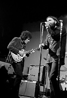 Guitarist Mike Bloomfield on stage with singer/harmonica player Paul Butterfield at the Woodstock Festival in 1969. © Peter Tarnoff / MediaPunch