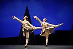 LE PARC....Choregraphie : PRELJOCAJ Angelin..Compositeur : MOZART Wolfgang Amadeus..Compagnie : Ballet National de L Opera de Paris..Orchestre : Orchestre Colonne..Decor : LEPROUST Thierry..Lumiere : CHATELET Jacques..Costumes : PIERRE Herve..Avec :..BANCE Caroline..DAYANOVA Sarah Kora..GRANIER Christelle..MALLEM Sabrina..MARTEL Beatrice..PAGLIERO Ludmilla..LAMOUREUX Amelie..WESTERMANN Severine..BOUCHE Bruno..CHARLOT Guillaume..AUBIN Pascal..BERTAUD Sebastien..DOMINIAK Gregory..MADIN Allister..COZETTE Julien..Lieu : Opera Garnier..Ville : Paris..Le : 04 03 2009..© Laurent PAILLIER / www.photosdedanse.com..All rights reserved