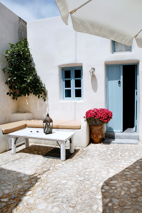 traditional stone tile patio