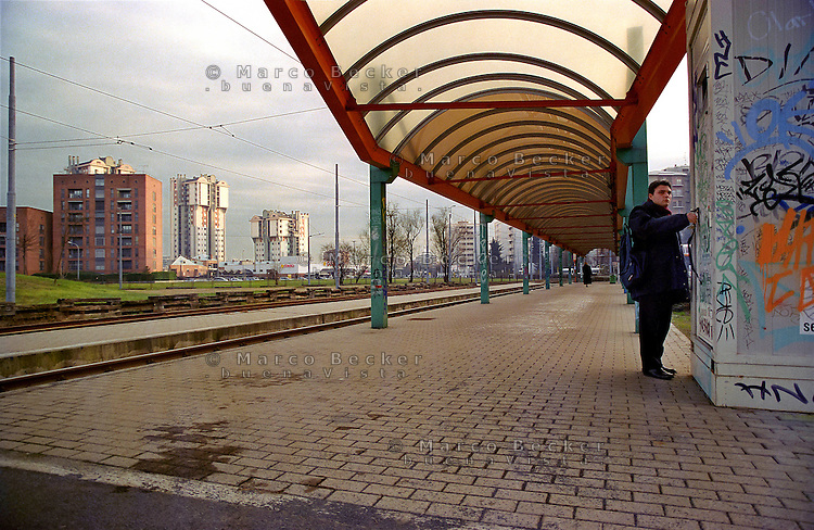 milano, quartiere lorenteggio. periferia ovest. capolinea del tram --- milan, lorenteggio district, west periphery. tram terminal