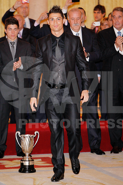 MADRI, ESPANHA, 05 DEZEMBRO 2012 - PREMIACAO MELHORES DO ESPORTE ESPANHOL - O jogador Portugues do Real Madrid Cristiano Ronaldo durante cerimonia de entrega do Premio Melhores do Esporte Espanhol, no Palacio El Pardo em Madri, capital da Espanha, nesta quarta-feira, 19. (FOTO: ALEX CID FUENTES / ALFAQUI / BRAZIL PHOTO PRESS).