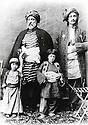 Iran 1890?.<br /> Standing left, Sultan Beg Babamiri Mukri, Iranian consul in Suleimania with his children.<br /> Iran 1890?.<br /> Debout a gauche, Sultan Beg Babamiri Mukri, consul iranien a Suleimania pendant l'empire Ottoman
