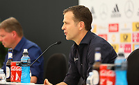 Teammanager der Nationalmannschaft Oliver Bierhoff (Deutschland Germany) - 25.05.2018: Pressekonferenz der Deutschen Nationalmannschaft zur WM-Vorbereitung in der Sportzone Rungg in Eppan/Südtirol