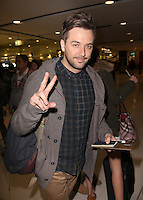 PAP Sightings- DARREN McMullen @ Sydney Airport-'The Voice'