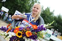 FIERLEPPEN: WINSUM: 13-08-2017, Fries Kampioenschap Fierljeppen, Fardau van Akker 15.42m, ©foto Martin de Jong