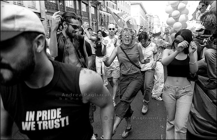 Milano, sfilata dell'orgoglio gay. Milan, gay pride parade.