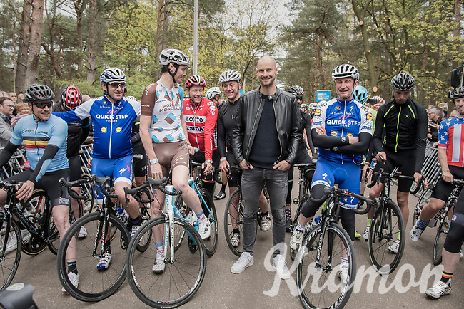 Tom Boonen (BEL/Quick-Step Floors) in between the former pro-riders/colleagues at the start of their race at the Tom Boonen farewell race/criterium 'Tom Says Thanks!' in Mol/Belgium