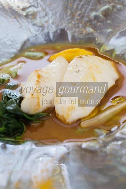 urope/France/Bretagne/56/Morbihan/Lorient: Saint-Pierre, Jus safrané recette de  Jean-Paul Abadie, restaurant: L'Amphytrion