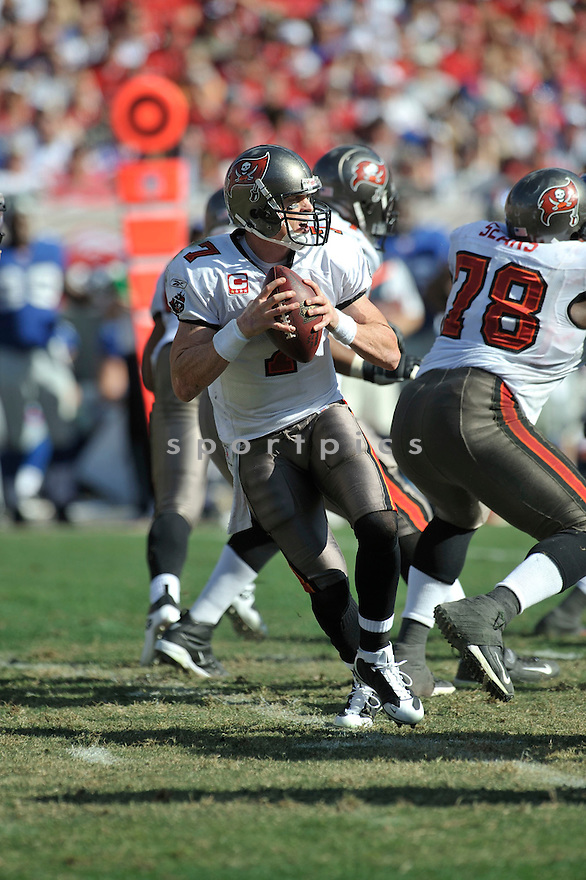 JEFF GARCIA, of the Tampa Bay Buccaneers in action during the Buccaneers game against the New York Giants  on January 6, 2007 in Tampa Bay, Florida...GIANTS win 24-14..SportPics