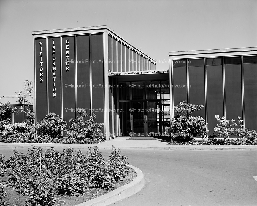 9969-510520-06. POVA Visitors Information Center, later McCalls and now the Rose Festival headquarters on Waterfront Park, between Front Ave. and the Seawall. May 20, 1951
