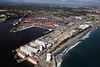 STO14. SANTO DOMINGO (REPÚBLICA DOMINICANA), 17/02/2011.- Vista aérea de hoy, jueves 17 de febrero de 2011, del puerto de Haina en Santo Domingo (República Dominicana). EFE/Orlando Barría