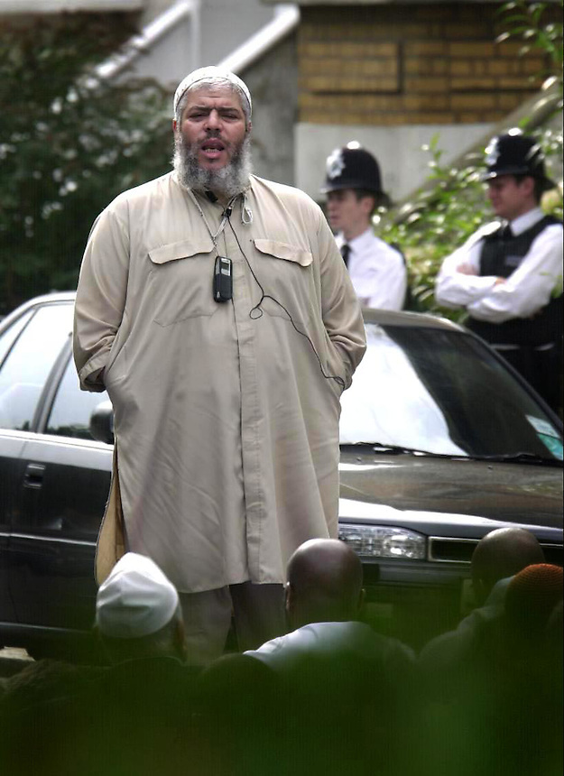 ABU HAMZA AT FINSBURY PARK MOSQUE ROAD PIC JAYNE RUSSELL.3.10.2003.