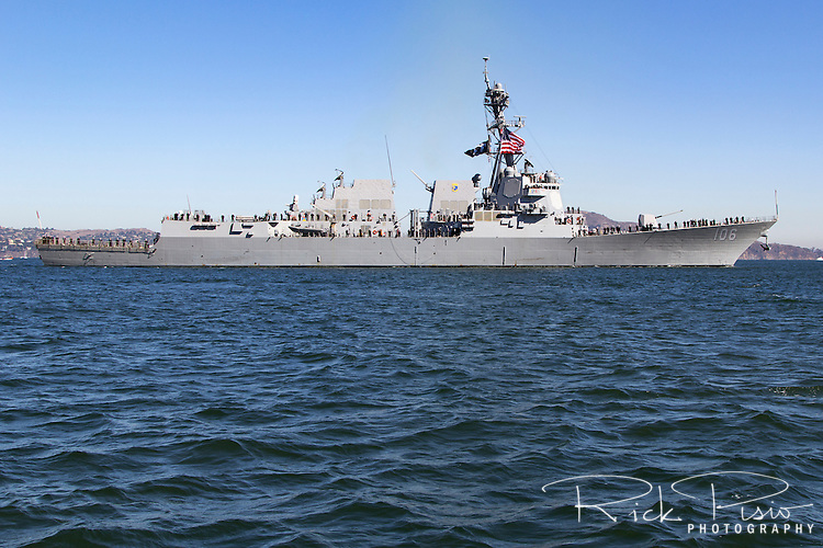 The Arleigh Burke-class guided missile destroyer USS Stockdale (DDG-106) onSan Francisco Bay.