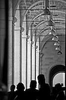 Lecce - Cortili aperti 2011 - Ingresso all'atrio dell'ex convento dei Teatini.