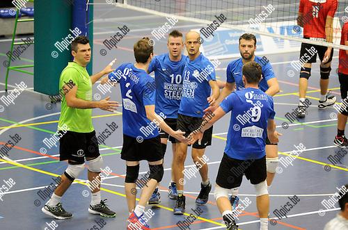 2014-09-20 / Volleybal / seizoen 2014-2015 / Kapellen - VC Zoersel / sfeer / Kapellen viert een punt<br /><br />Foto: Mpics.be