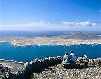 Spain, Canary Island, Lanzarote, view at neighbouring island Isla Graciosa from viewpoint Mirador Del Rio | Spanien, Kanarische Inseln, Lanzarote, Blick zur Nachbarinsel Isla Graciosa vom Mirador Del Rio