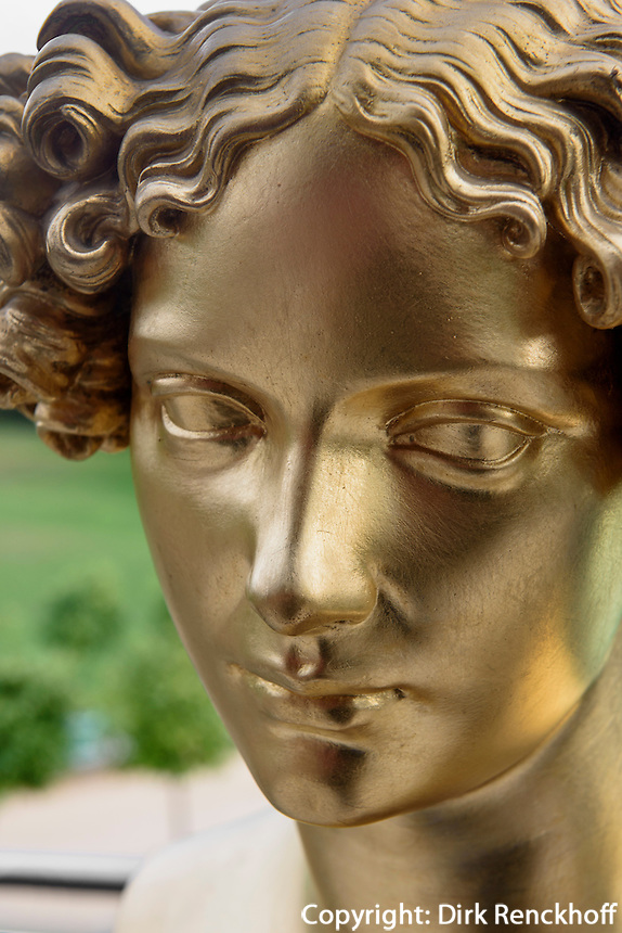 B&uuml;ste Henriette Sontag, verh. Gr&auml;fin Rossi, 1806-1854, Neues Schloss im F&uuml;rst P&uuml;ckler Park, Bad Muskau, Sachsen, Deutschland, Europa, UNESCO-Weltkulturerbe<br /> Bust of Henriette Sontag, mar. countessRossi, New Palace in F&uuml;rst P&uuml;ckler Park, Bad Muskau, Saxony, Germany, Europe, UNESCO-World Heritage