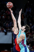 Caja Laboral Baskonia's Maciej Lampe (l) and FC Barcelona Regal's Ante Tomic during Spanish Basketball King's Cup semifinal match.February 07,2013. (ALTERPHOTOS/Acero)