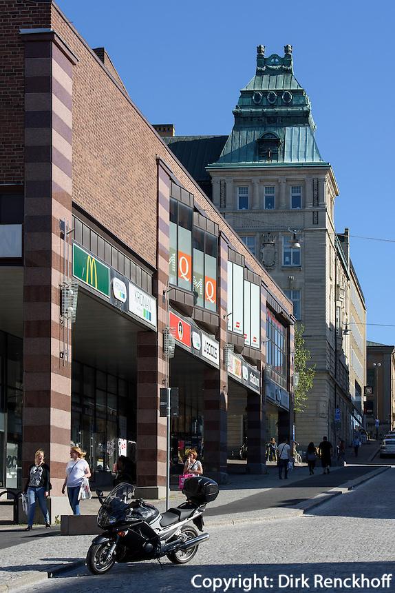 Einkaufsstra&szlig;e Landbrogatan in Karlskrona, Provinz Blekinge, Schweden, Europa, UNESCO-Weltkulturerbe<br /> Shopping street Landbrogatan  in Karlskrona, Province Blekinge, Sweden
