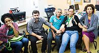 RIO DE JANEIRO, RJ, 03.04.2017 - ALERJ-AUDIÊNCIA - Os pais de Maria Eduarda, Rosilene Alves Ferreira, de 53 anos, e Antônio Alfredo da Conceição, de 63, morta dentro da escola, em Acari, na Zona Norte do Rio, são recebidos no gabinete do deputado Marcelo Freixo, na Assembleia Legislativa do Rio (Alerj), no Rio de Janeiro, nesta segunda-feira, 03. (Foto: Clever Felix/Brazil Photo Press)