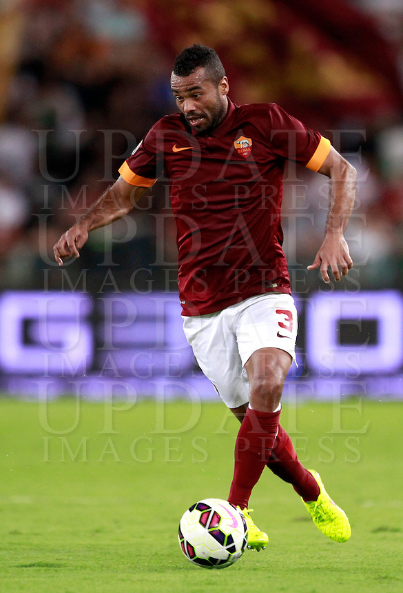 Calcio, amichevole Roma vs Fenerbahce. Roma, stadio Olimpico, 19 agosto 2014.<br /> Roma defender Ashley Cole, of Britain, in action during the friendly match between AS Roma and Fenerbahce at Rome's Olympic stadium, 19 August 2014.<br /> UPDATE IMAGES PRESS/Isabella Bonotto