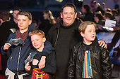 London, UK. 22 March 2016. Actor/comedian Johnny Vegas with kids. Warner Bros. Pictures presents the European Premiere of Batman v Superman, Dawn of Justice. The movie, directed by Zack Snyder, stars Ben Affleck as Batman/Bruce Wayne and Henry Cavill as Superman/Clark Kent in the characters' first big-screen pairing. The movie opens in cinemas on 25 March 2016. © Vibrant Pictures/Alamy Live News