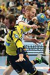 Rhein Neckar Loewe Kim Ekdahl du Rietz (Nr.60) wird gehalten vom Wetzlars Stefan Kneer (Nr.4) beim Spiel in der Handball Bundesliga, Rhein Neckar Loewen - HSG Wetzlar.<br /> <br /> Foto &copy; PIX-Sportfotos *** Foto ist honorarpflichtig! *** Auf Anfrage in hoeherer Qualitaet/Aufloesung. Belegexemplar erbeten. Veroeffentlichung ausschliesslich fuer journalistisch-publizistische Zwecke. For editorial use only.