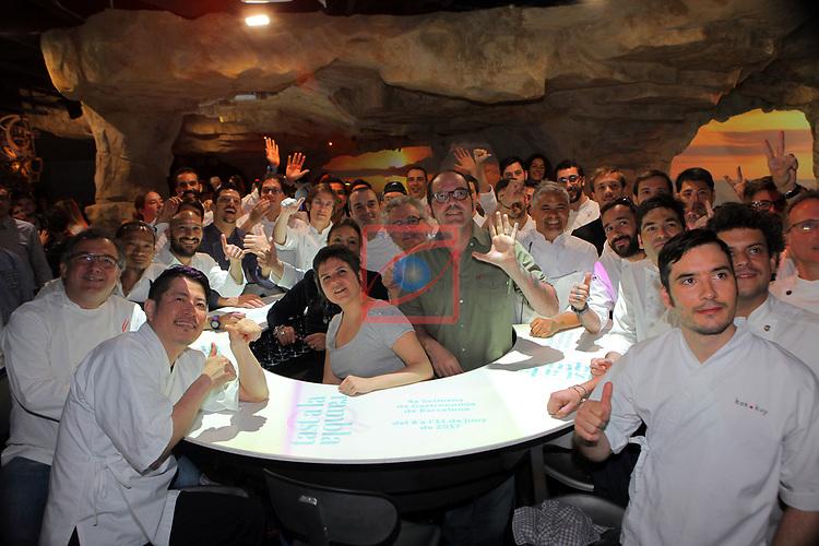 Tast a la Rambla.<br /> 4a Setmana de Gastronomia de Barcelona.<br /> Gala Pin, Fermin Villar, Roser Torras i tots els cuiners participans.