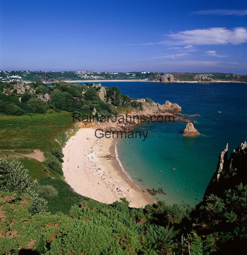 Great Britain, England, Channel Islands, Jersey: Beauport Beach on the south coast | Grossbritannien, England, Kanalinseln, Jersey, Beauport Beach an der Suedkueste