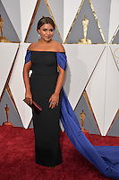 Mindy Kaling at the 88th Academy Awards at the Dolby Theatre, Hollywood.<br /> February 28, 2016  Los Angeles, CA<br /> Picture: Paul Smith / Featureflash