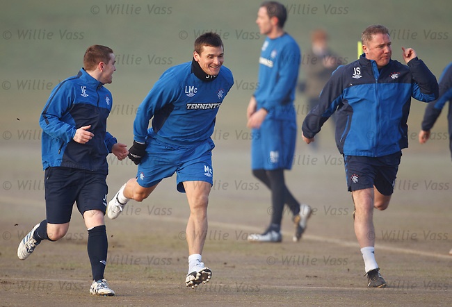 John Fleck, Lee McCulloch and Ally McCoist outrace each other as they sprint from a standing start