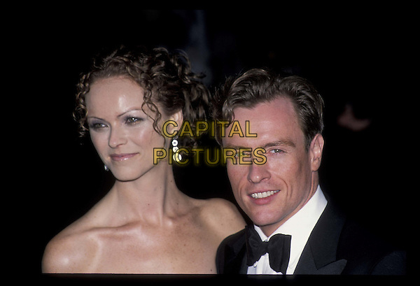 TOBY STEPHENS & WIFE.20021118.strapless, headshot, portrait.*RAW SCAN- photo will be adjusted for publication*.www.capitalpictures.com.sales@capitalpictures.com.©Capital Pictures
