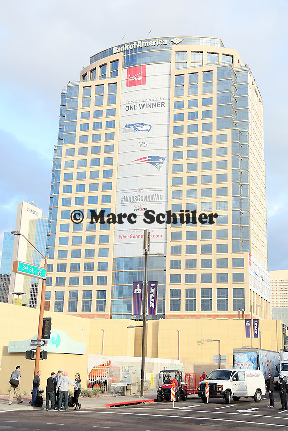 Werbung für den Super Bowl am Wolkenkratzer der Bank of America - Super Bowl XLIX Media Day, US Airways Center, Phoenix