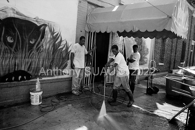 "New Orleans, Louisiana.USA.September 29, 2005 ..The ""Club Fabulous"" cleans up."