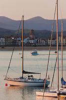 Europe/France/Aquitaine/64/Pyrénées-Atlantiques/Pays-Basque/Ciboure: Saint-Jean-de-Luz et  la baie de Saint-Jean-de-Luz  vue depuis   Ciboure