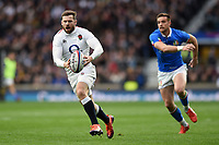Elliot Daly of England goes on the attack. Guinness Six Nations match between England and Italy on March 9, 2019 at Twickenham Stadium in London, England. Photo by: Patrick Khachfe / Onside Images