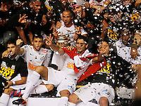 SÃO PAULO, SP,13 MAIO 2012 - CAMPEONATO PAULISTA - SANTOS x GUARANI FINAL  jogadores do Santos comemoram Titulo apos  partida Santos x Guarani válido pela final do Campeonato Paulista no Estádio Cicero Pompeu de Toledo (Morumbi), na região sul da capital paulista na tarde deste domingo (13). (FOTO: ALE VIANNA -BRAZIL PHOTO PRESS).