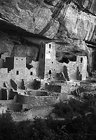 Cliff Palace cliff dwelling at Mesa Verde National Park, New Mexico