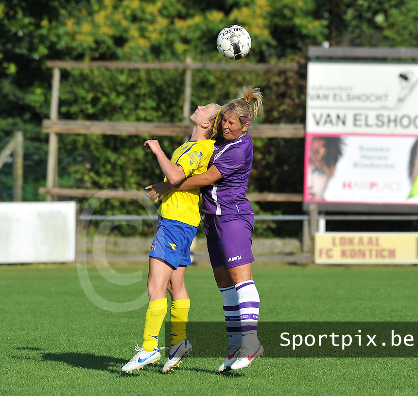 Beerschot Dames - STVV  Sint-Truiden VV Dames :.kopduel tussen Inge Heiremans en Katrien Van Rooy.foto JOKE VUYLSTEKE / Vrouwenteam.be