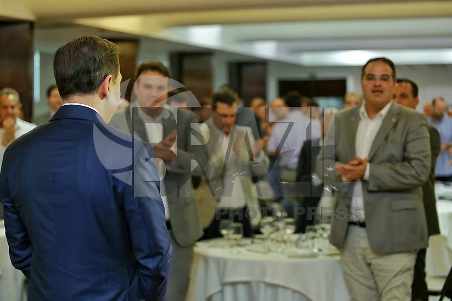 MACEIÓ, AL, 27.10.2017 - POLITICA-AL- João Dória é aplaudido em conversa com autoridades, lideranças políticas e empresáriais em Maceió, no Hotel Ritz Lagoa da Anta, em Maceió, nesta sexta-feira, 27. (Foto: Alisson Frazão/Brazil Photo Press)