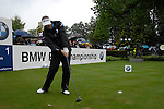 Colin Montgomerie drives off on the opening hole during the final round of the BMW PGA Championship at Wentworth Club, Surrey, England 27th May 2007 (Photo by Eoin Clarke/NEWSFILE)