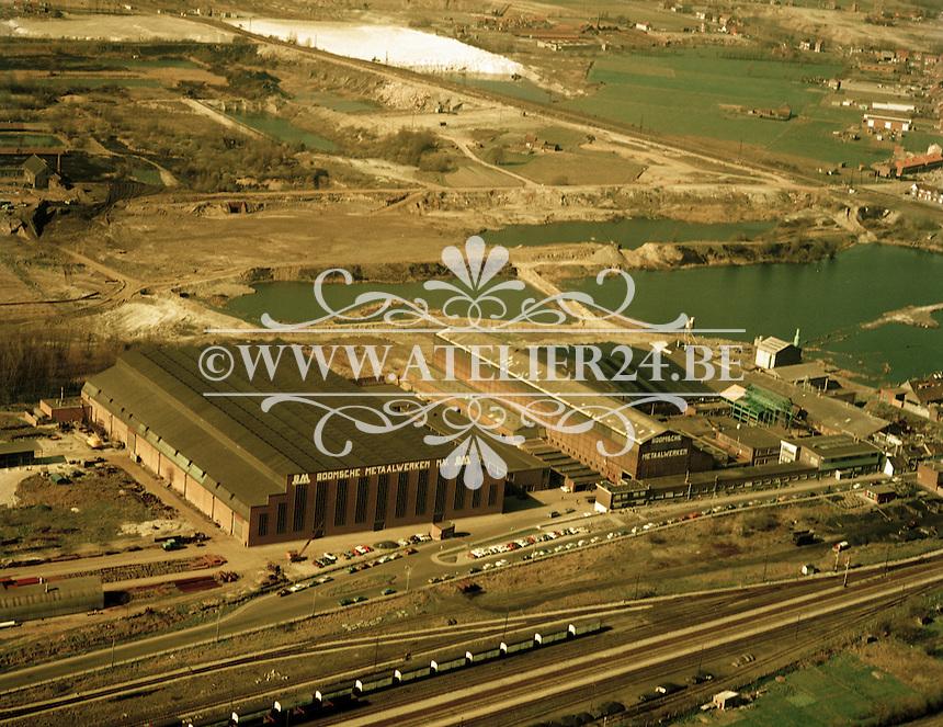 Maart 1972. De gebouwen van de Boomse Metaalwerken.
