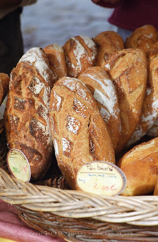 On Quai des Chartrons. A street market. Bread. On Les Quais. Bordeaux city, Aquitaine, Gironde, France