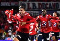MEDELLIN - COLOMBIA -04-03-2017: Jhon Hernandez (Izq.), jugador Deportivo Independiente Medellin celebra el gol anotado a Deportivo Cali, durante entre Deportivo Independiente Medellin y Deportivo Cali, por la fecha 8 de la Liga Aguila I 2017, en el estadio Atanasio Girardot de la ciudad de Medellin. / Jhon Hernandez (L), player of Deportivo Independiente Medellin celebrates a scored goal to Deportivo Cali, during a match between Deportivo Independiente Medellin and Deportivo Cali for the date 8 of the Liga Aguila I 2017 at the Atanasio Girardot stadium in Medellin city. Photo: VizzorImage  / Luis Ramirez / Staff.
