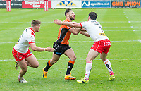 Picture by Allan McKenzie/SWpix.com - 13/05/2017 - Rugby League - Ladbrokes Challenge Cup - Castleford Tigers v St Helens - The Mend A Hose Jungle, Castleford, England - Luke Gale fends off Matty Smith.