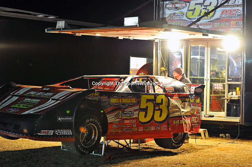Feb 03, 2011; 6:50:09 PM; Sylvania, GA., USA; An Unsactioned Racing Event Running a 10,000 To Win During Speedweeks 2011 At Screven Motor Speedway.  Mandatory Credit: (thesportswire.net)