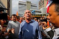 CURITIBA, PR, 01.09.2018 – ELEIÇÕES-2018 – O candidato à Presidência, Ciro Gomes (PDT) durante caminhada pelas ruas centrais de Curitiba (PR) na manhã deste sábado (01).(Foto: Paulo Lisboa / Brazil Photo Press)